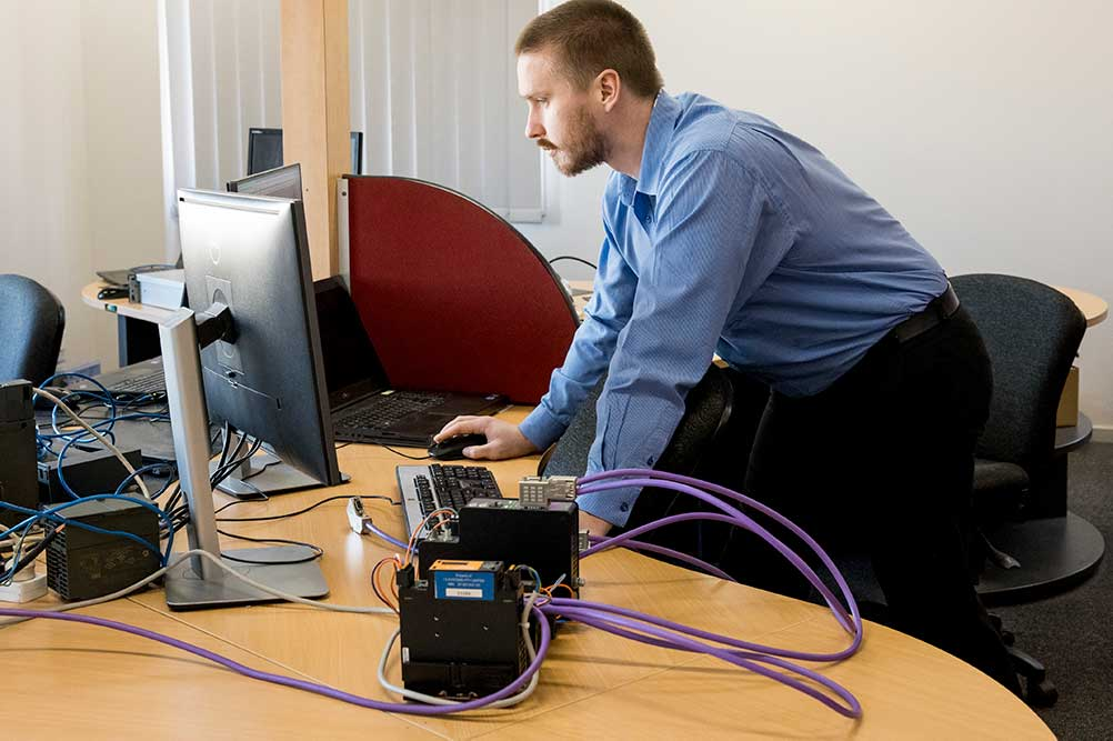 I S Systems engineer configuring a profibus sniffer